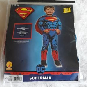Boy's Superman Costume in EUC.  2T